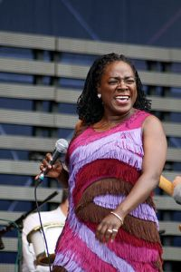 320px-sharon_jones__the_dap-kings__pori_jazz_2