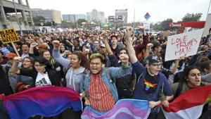 la-na-election-day-2016-anti-trump-protesters-hit-the-streets-1478740472